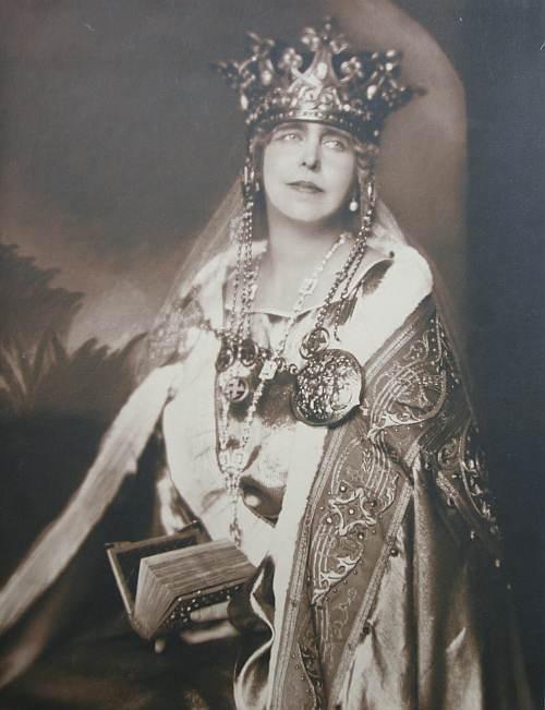 1  Maria Regina-incoronare